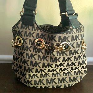 😍 Michael Kors Logo Hobo Bag